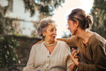 moeder met dochter illustratie bij belastingvrij schenken