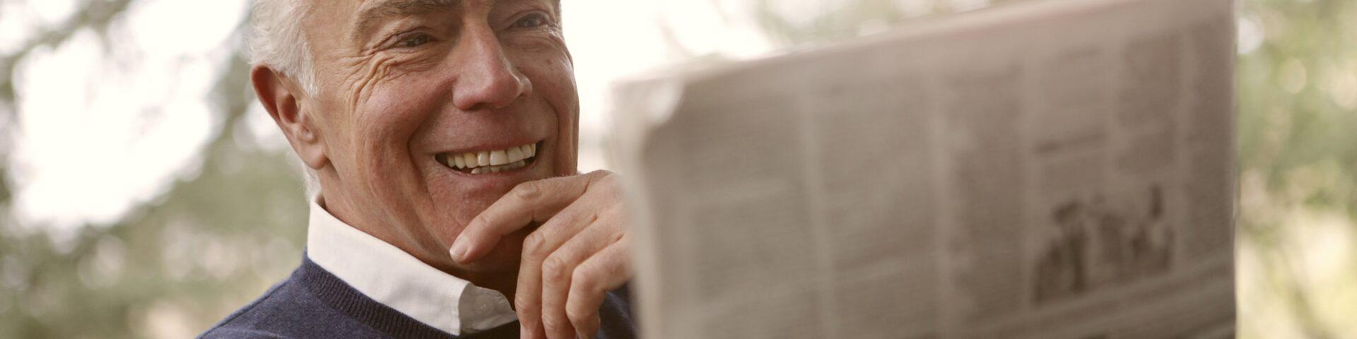man leest krant, illustratie bij tijdelijke lijfrente niet afgeschaft